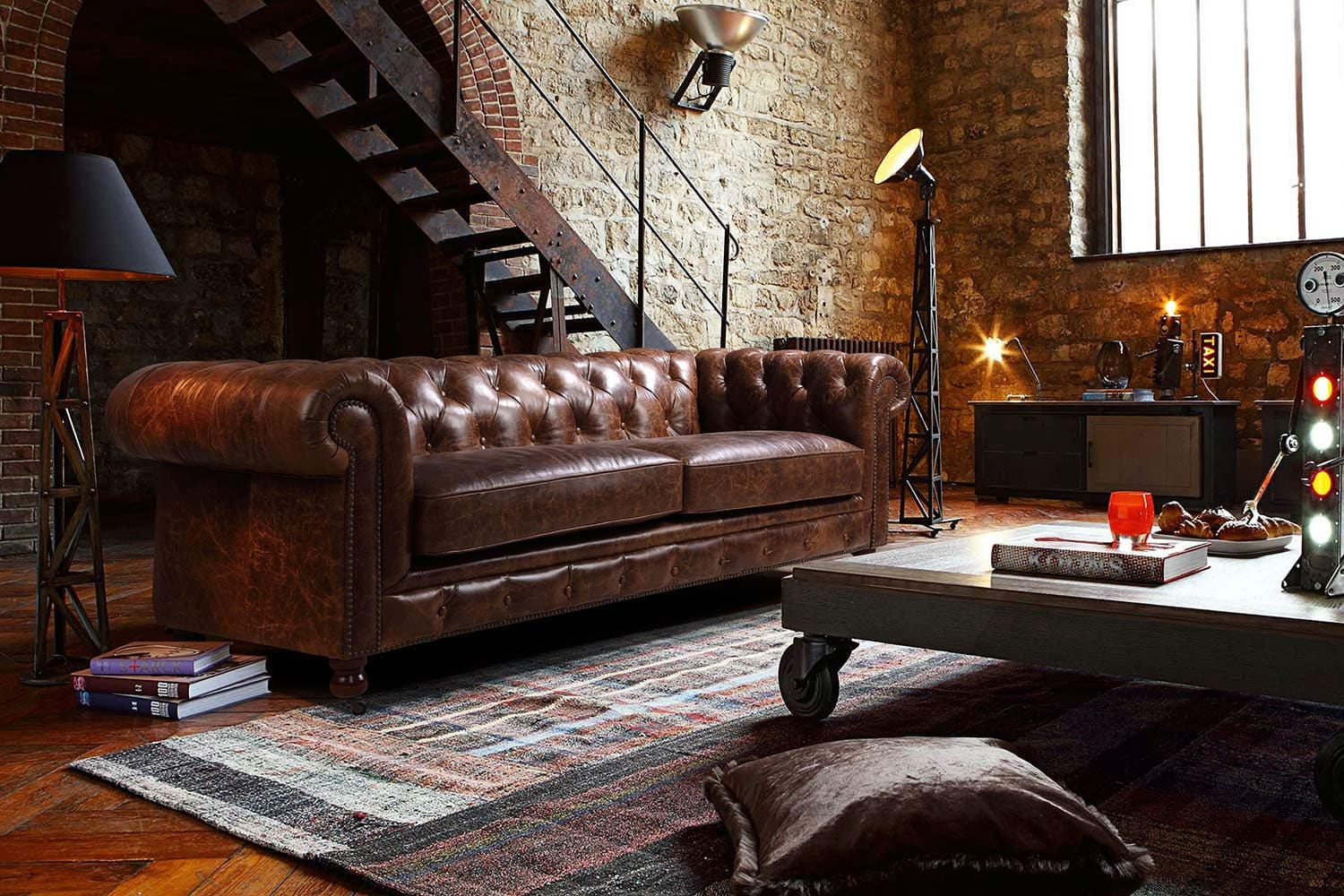 Un canap chesterfield pour un style british affirm for Couch quelle